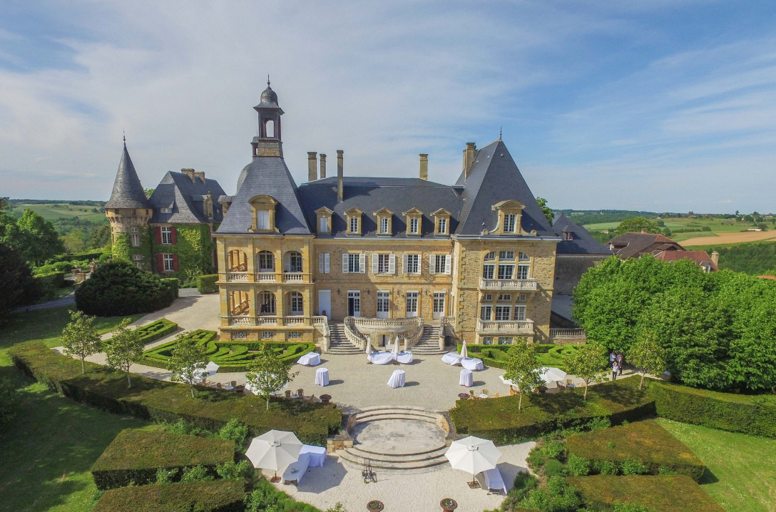 Grand Chateau - the ultimate luxury wedding venue with swimming pool in south-west France. Sleeps 81, caters for up to 350