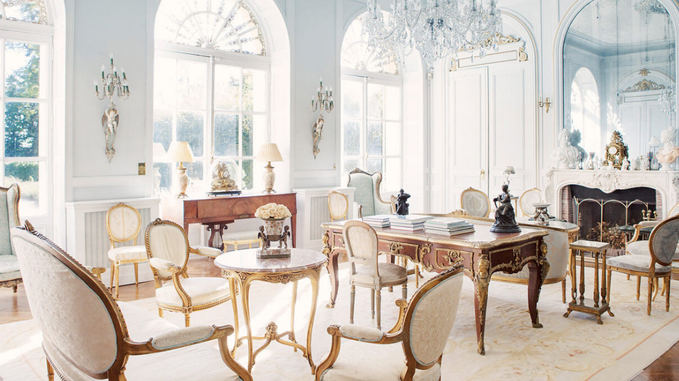 Luxury 19th century château venue - white salon