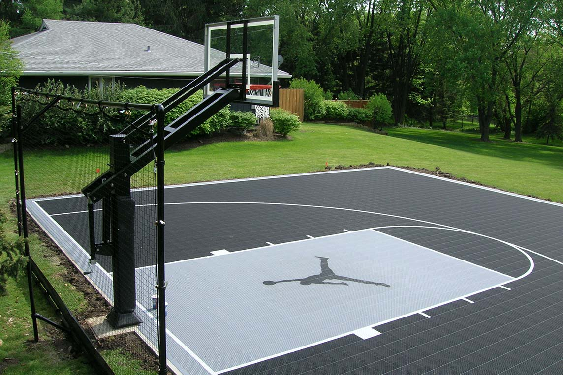 Putting Greens/Sport Courts