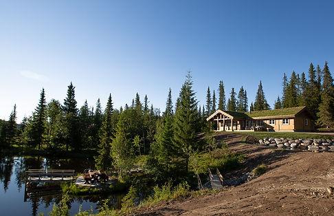 brygge og hytte 2.jpg
