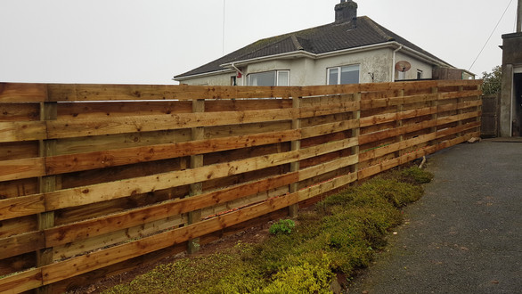 Horizontal hit and miss fencing , Plymstock.