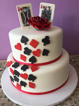 Queen and King of Hearts Wedding Cake