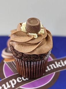 rolo cupcake.jpg