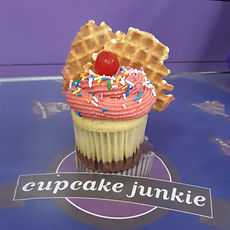 napolean sundae cupcake.jpeg