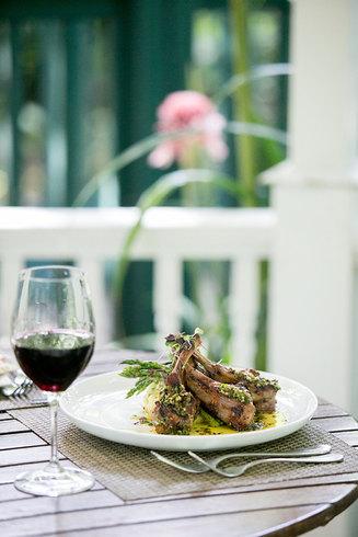 Dinner at Sundy House photo by Jenny Schartner
