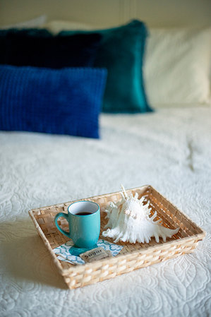 Cofee in bed