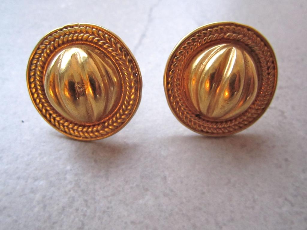 Pre-Columbian Style Earrings in Gold