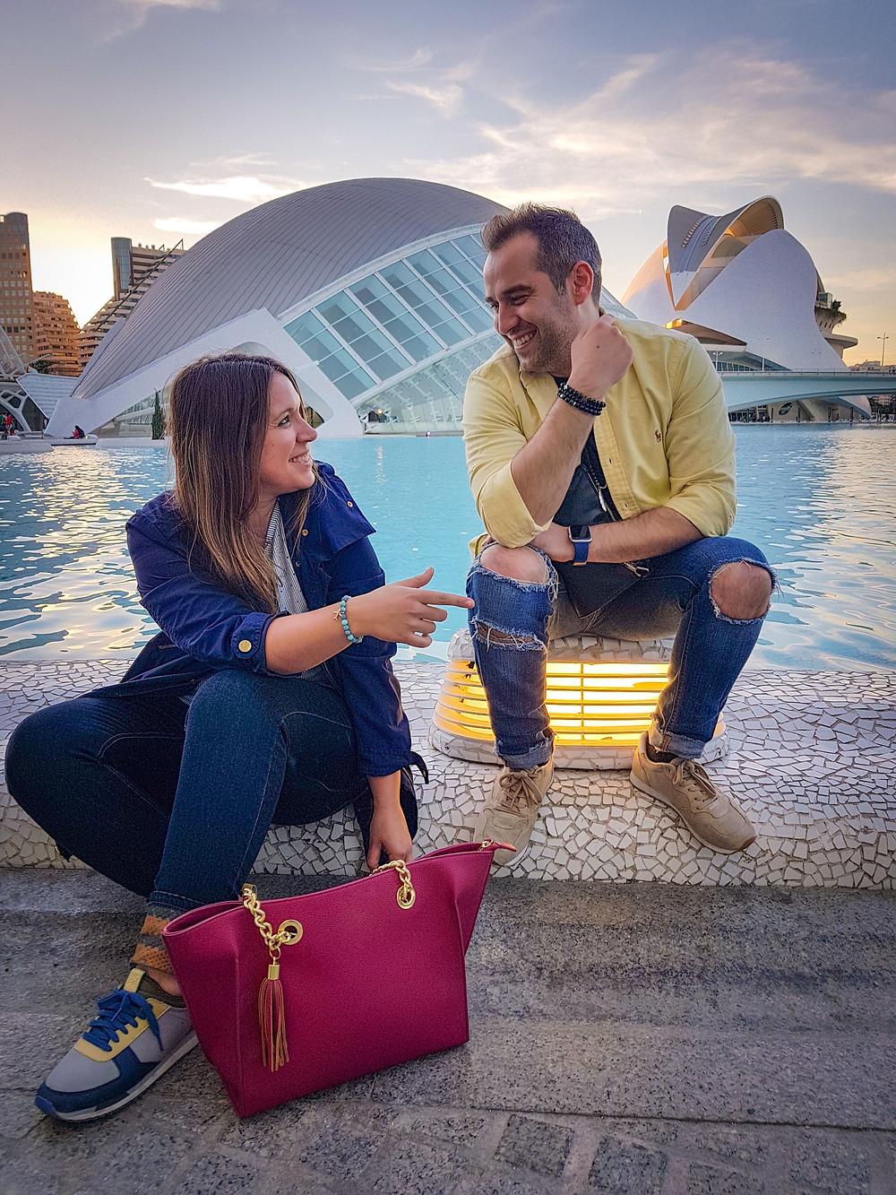 Amigos con pulseras de Tutan Amaya