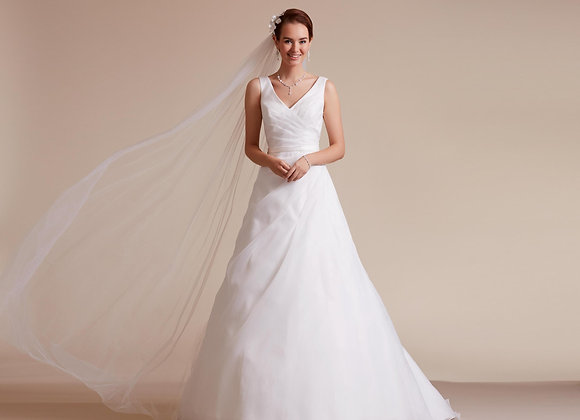 Lilly Bridal - Style 3842