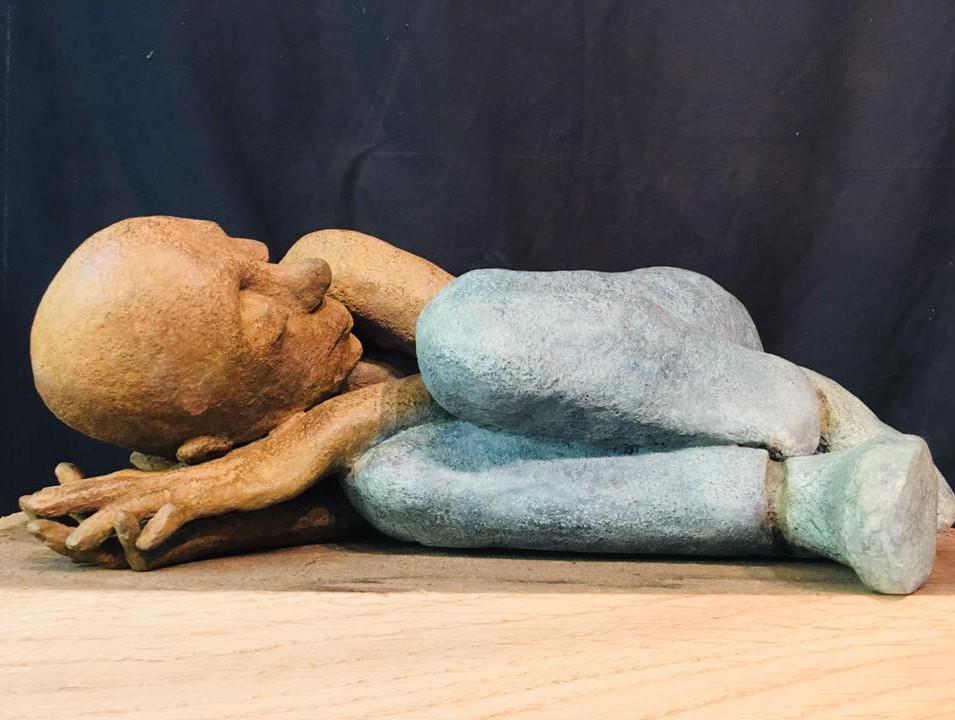 SOUS LA COUETTE - Bronze