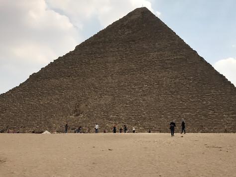 2- Au pied de la plus ancienne Merveille du Monde: La Pyramide de Khéops