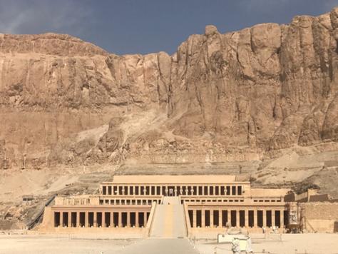 12- Le temple d'HATCHEPSOUT de DEIR EL-BAHARI: Le Saint des Saints