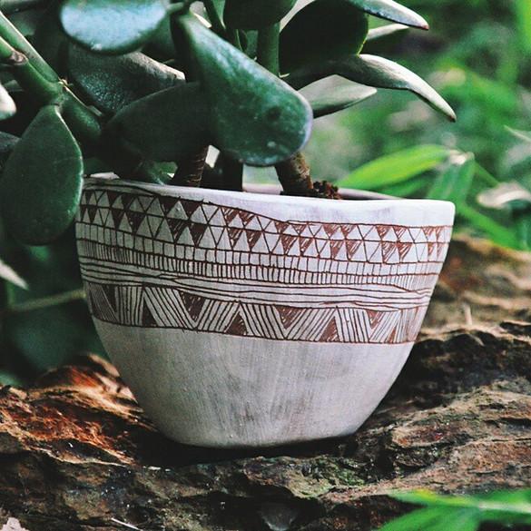 #etsy #planter #earthenware #sgraffito #ceramic #pottery #jade #plant #vscocam