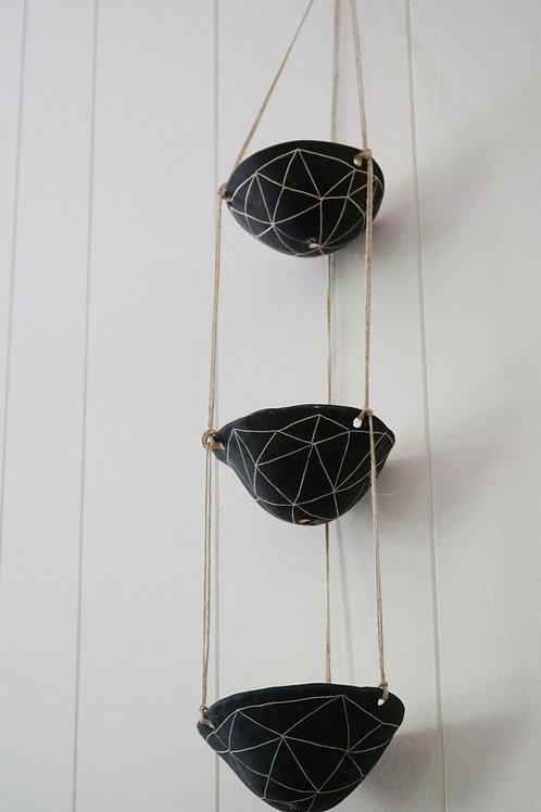 - GEOTRIANGLE - Black & White Earthenware 3 Tiered Hanging Planter
