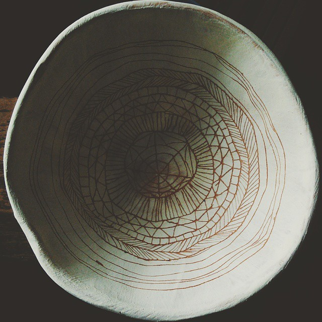 #pattern #geometric #illustrated #bowl #drawing #mandala #meditative #terracotta #stoneware #ceramic #claybowl #detail #vscocam