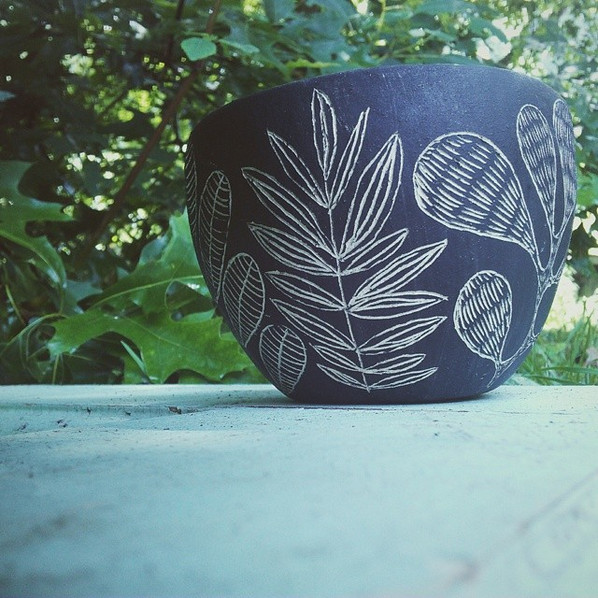 #flora #planter #sgraffito #blackandwhite #pottery #illustrated #plants#vsco #vscocam