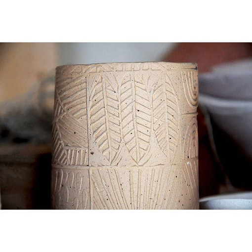 #printonclay #highwaterclay #speckledbrownstone #asheville #ceramics #pottery #nikon #surfacedesign #blockprint #halflighthoney #etsy #dstex