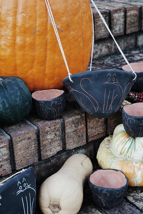 - KITTY - mini black and terracotta planter