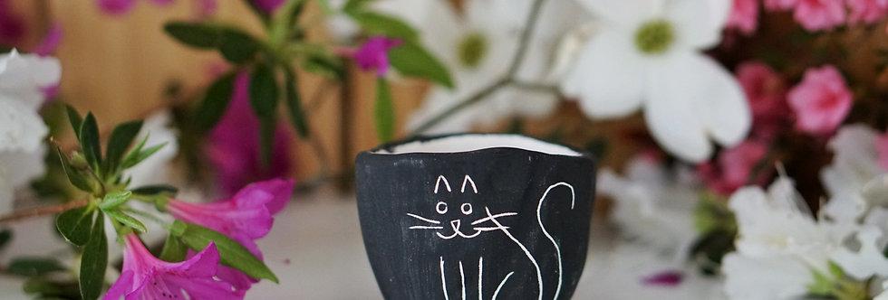 """Black & White Earthenware """"Kitty"""" Micro Planter"""