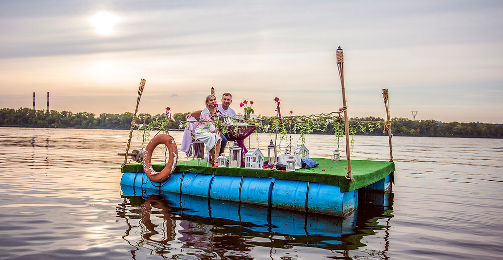 Свидание в необычном месте, Киев