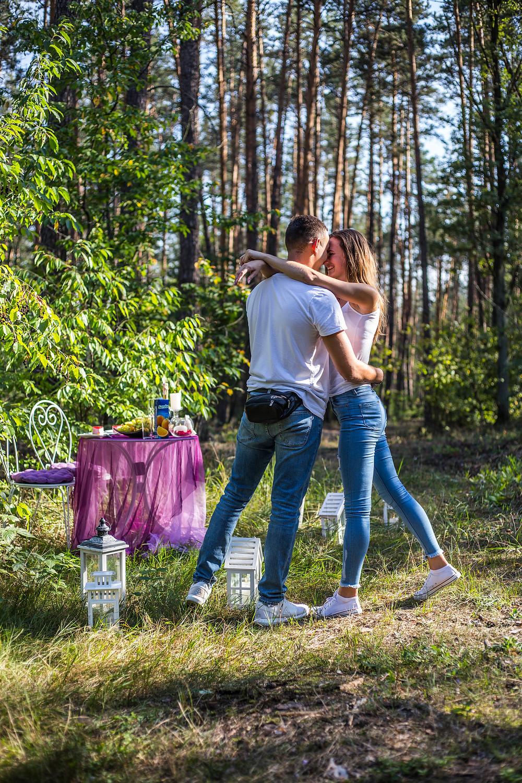 Романтическая прогулка в лесу, сервис романтики Альтечо, Киев
