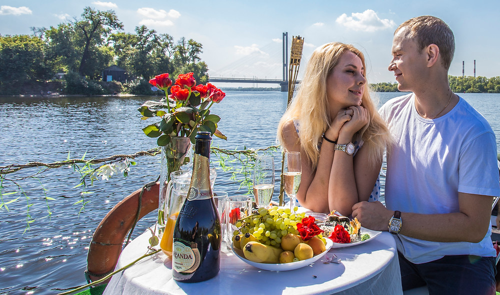 Романтика для влюбленных, сервис романтики Альтечо