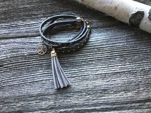 Bracelet leather with tassel