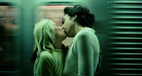02-Subway_Kiss_1976-debbieharry-chrisste