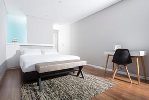 Executive_Bedroom_Praia_de_Santos_Guesthouse