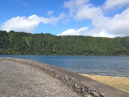 A melhor forma de passear pela ilha de São Miguel