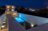Praia de Santos Guesthouse by night