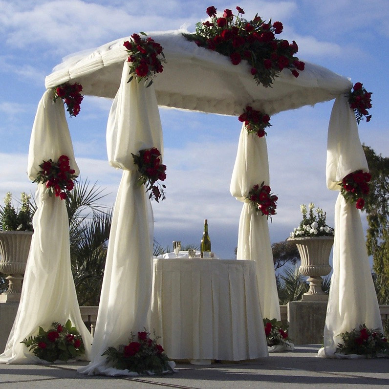 Gorgeous chuppah with flowers