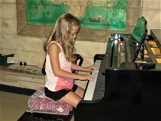 lydia piano (2).jpg