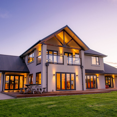 Standout With Twilight Photos ~ Real Estate ~ Tapanui