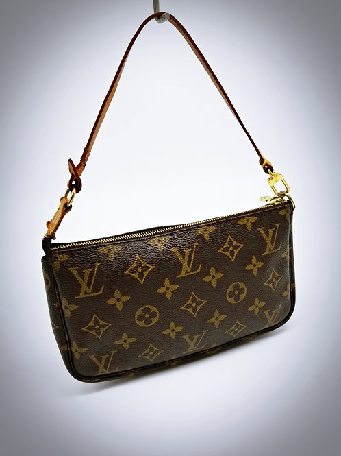 Louis Vuitton Pochette Accessoires in Monogram Canvas