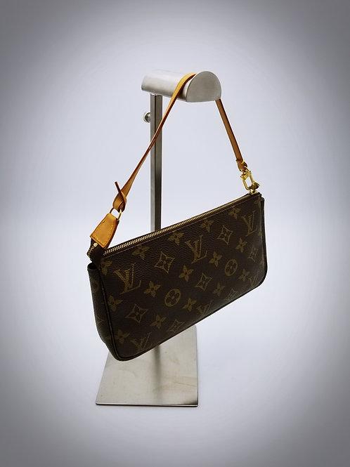 Louis Vuitton Pochette Accessoires in Monogram Canvas