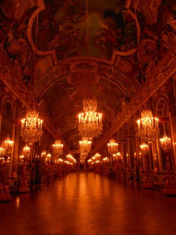 Galerie des Glaces, un soir...