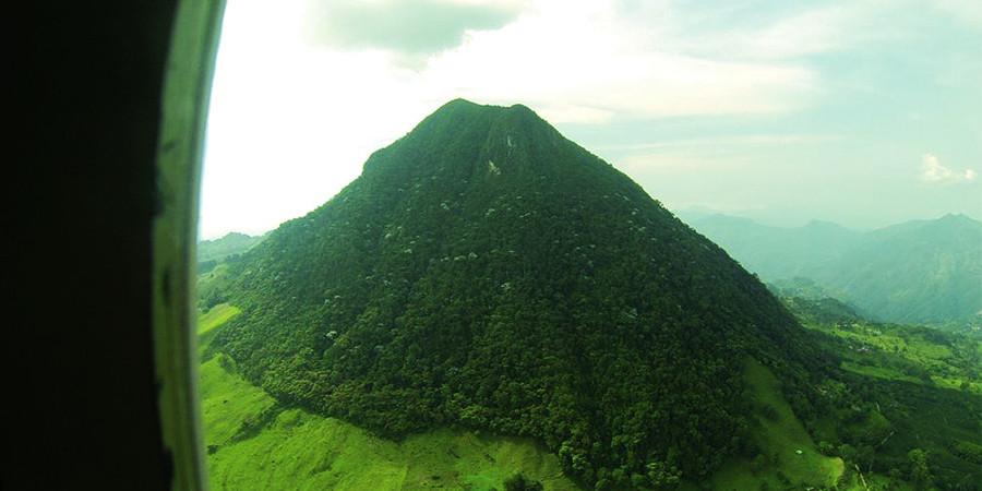 Cerro combia desde el aire...