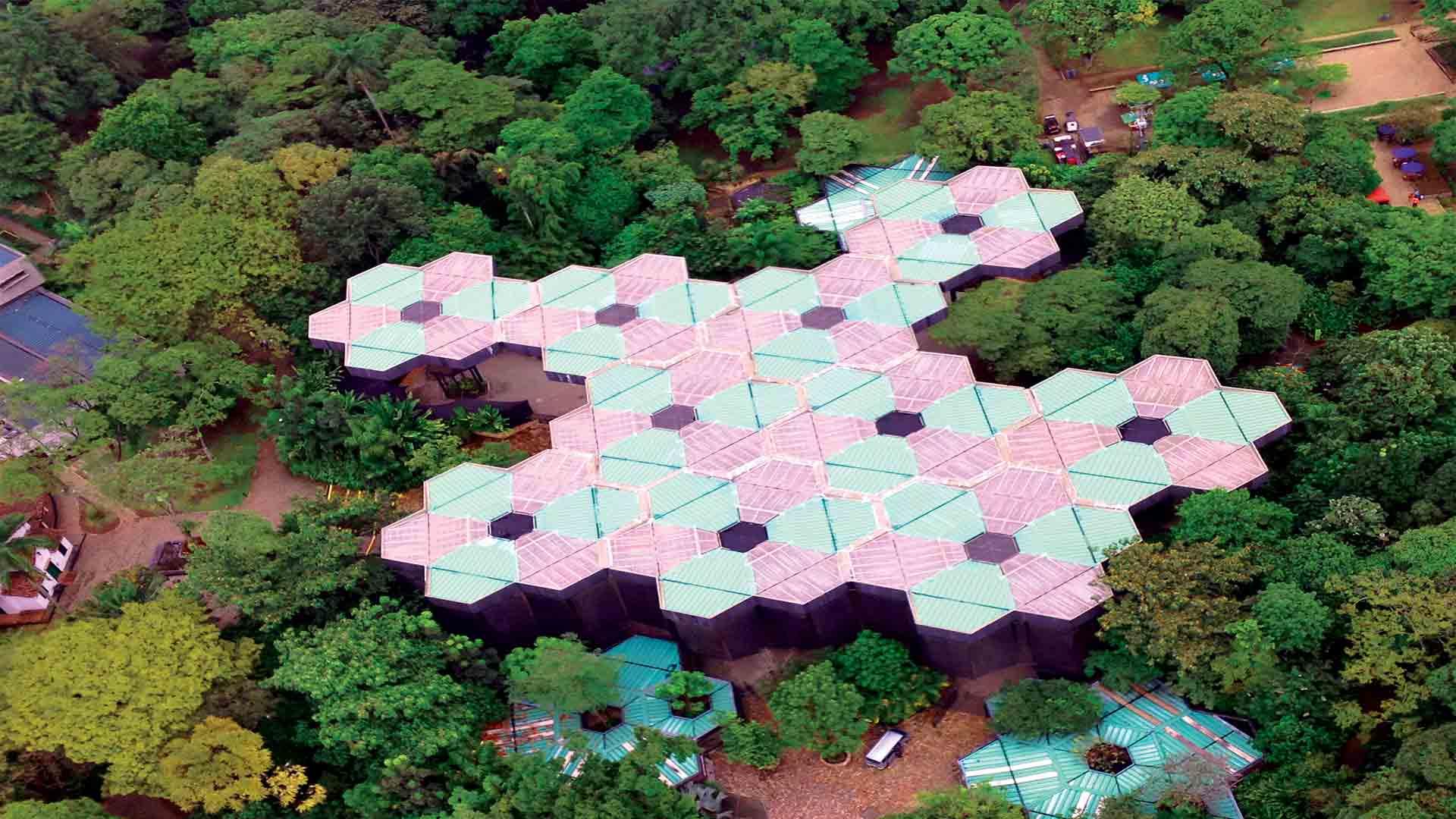 Jardin-Botanico-de-Medellin-desde-un-helicoptero-con-Fly-Colombia