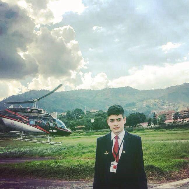 Juan Carlos Cruz Giraldo - Auxiliar de vuelo - Fly Colombia City Tour