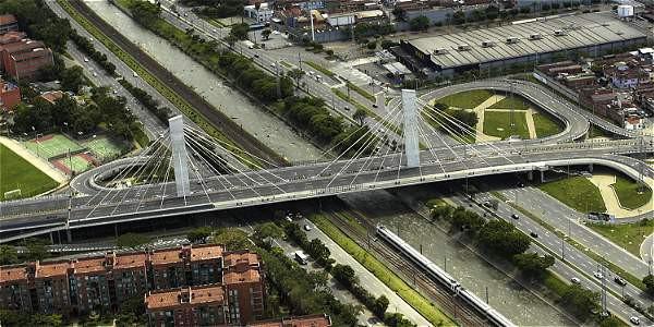 Desde lo alto se puede apreciar la infraestructura de la ciudad.