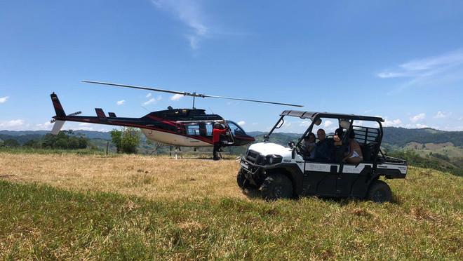 El Río Hotel en helicóptero