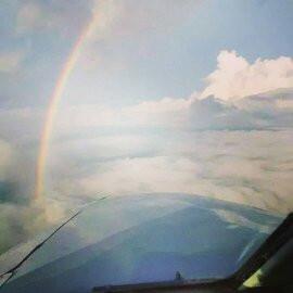 En Fly Colombia City Tour puedes cumplir tu sueño de volar.
