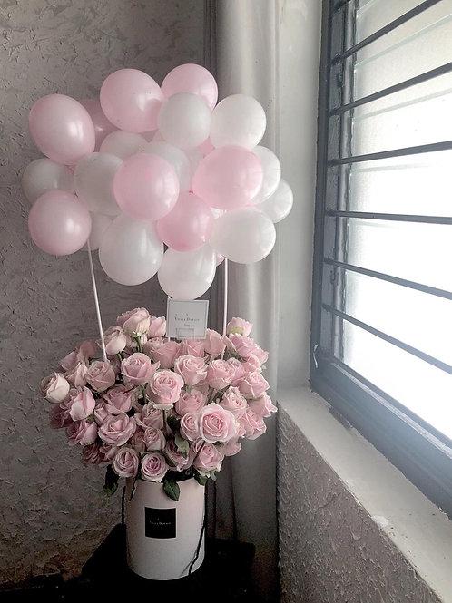 Hot air balloon 40 rose bucket