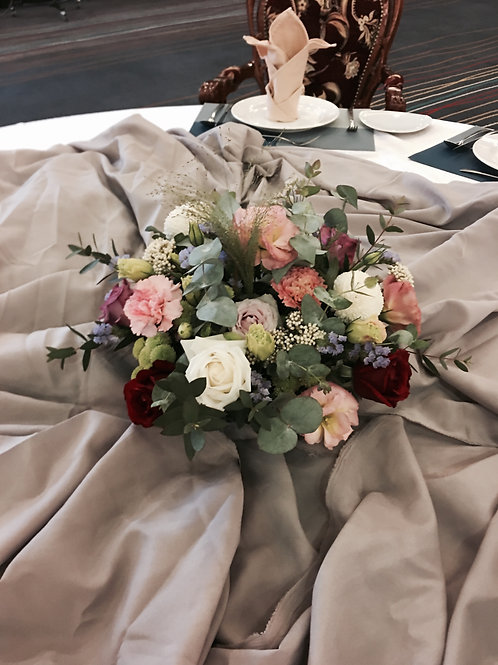Low and round centerpiece 02