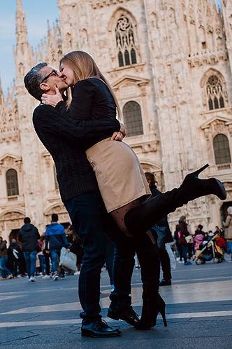 Duomo Milan Kiss
