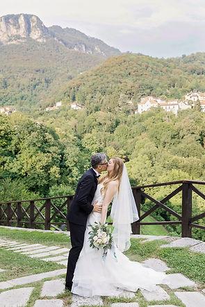 Lake Como Wedding Kiss