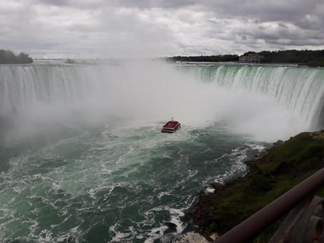 A Symbol of Canada : Niagara Falls