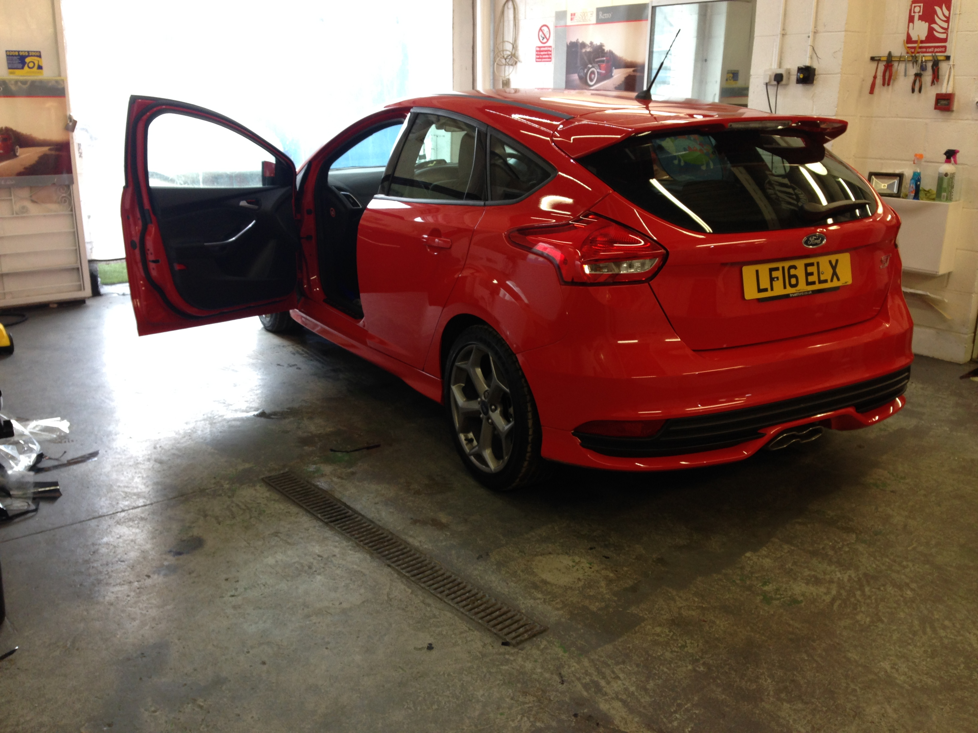 #tinting #ford #fordst #st #hatchback #carwindowtinting #greenford
