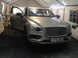 #silversuv #betleybentayga #luxurycar #suv #marblearch #london #windowtinting